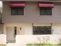 View 703 Oak Park Pl Brandon FL