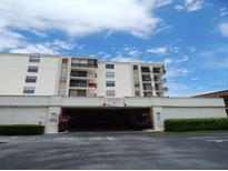 View 6145 Sun Blvd # 503 St Petersburg FL