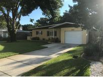 View 8800 Ridge Rd Seminole FL