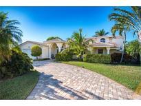 View 923 Eden Isle Dr Ne St Petersburg FL